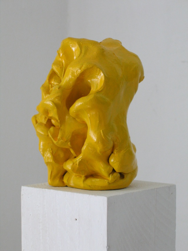 © Wilhelm Roseneder. Gelber Kunstgriff, 2003. Ungebrannter Ton, Lack/Varnish on non-fired clay, ca. 20 cm high
