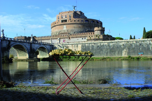 © Renate Egger and Wilhelm Roseneder. Goldene Erweiterung/Golden expansion. Street art project - temporary installation in public space. Artist in Residence. Castel S`Angelo, Tiber. Rome, Italy, 2011